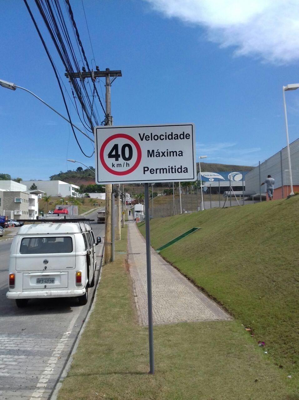 Placa de Trânsito e Segurança